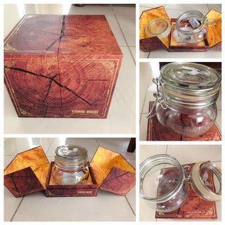 🚚 Yummy honey glass bottle with gift box