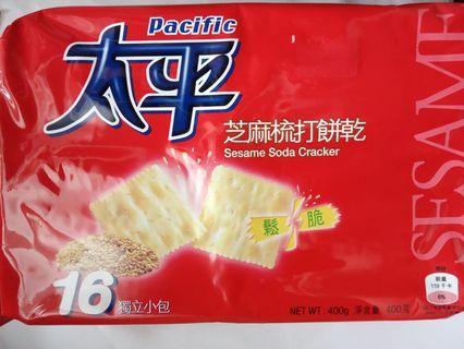 太平芝麻梳打餅乾400g(內有16小包)
