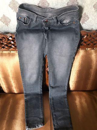 Celana jeans guess abu2