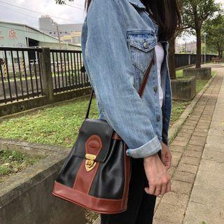 古著 Vintage 80's~90's Bonia 牛皮古董包 側背包 Genuine Leather