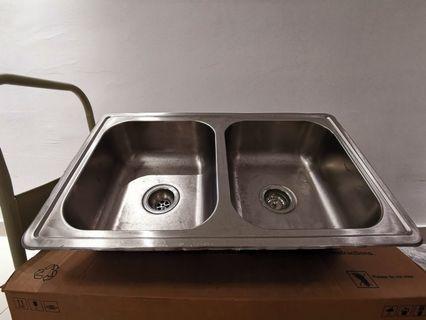 Rubine 2 Bowls Stainless Steel Kitchen Sink