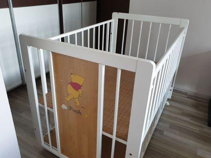 🚚 Pooh Bear Solid Wood Baby Cot (Good Condition)