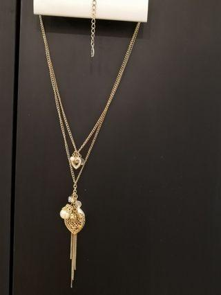 Aldo gold necklace