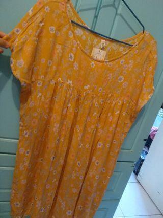 全新橙黃款碎花連身裙 日本款