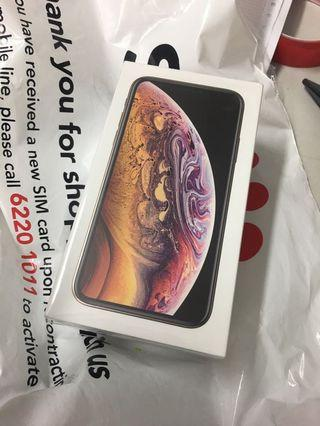 Brand new Sealed Apple IPhone XS 256GB gold or trade
