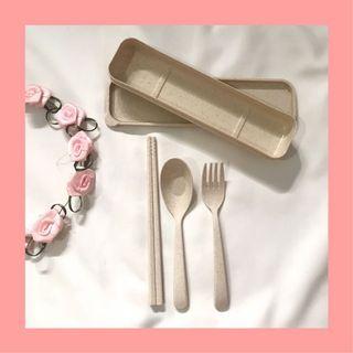 Straw cutlery set
