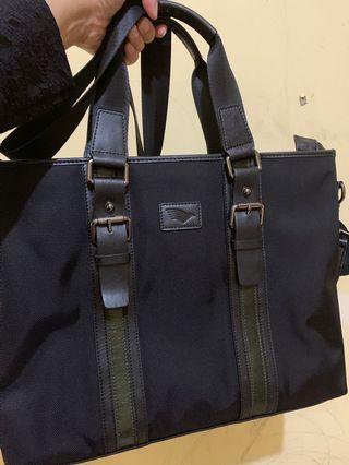 Tas officials Garuda Indonesia asli leather