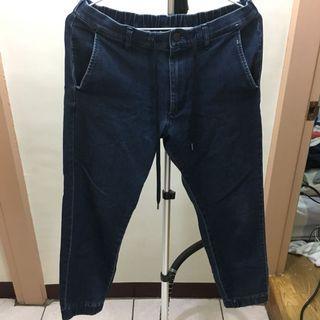 Uniqlo 彈力修身牛仔長褲