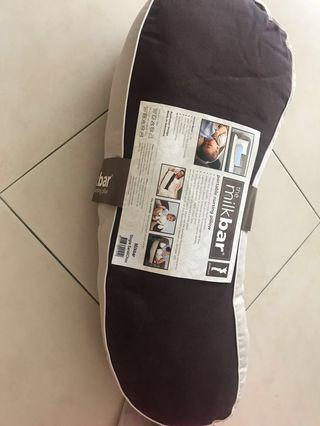 Free used Bassinet with unused portable nursing pillow