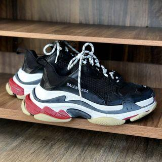 Balenciaga Triple S breds for sale