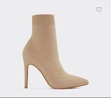 Brand new Ysissa Taupe Ankle Boots