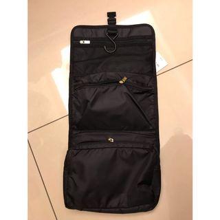 Satana盥洗包,運動旅行都可使用,全新原價1600元,便宜賣500元