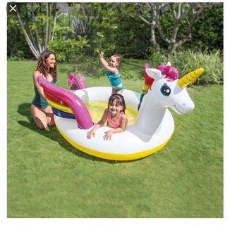 Unicorn Spray pool