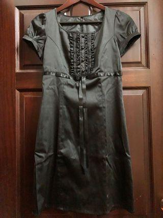🚚 昔蘭尼的長笛獨奏|黑色緞面氣質收腰合身泡泡袖洋裝/全新未穿