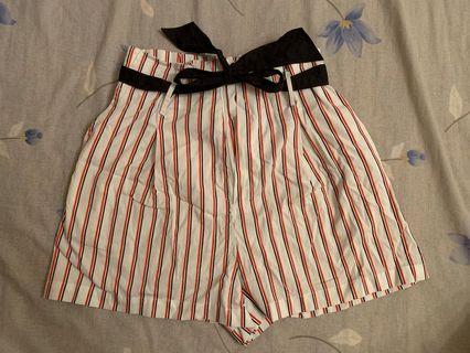 Stripe shorts with ribbon