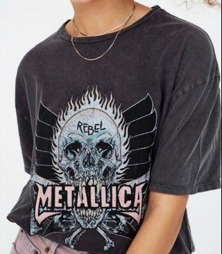 🚚 Authentic Grungey Metellica Pull&Bear Band Tee