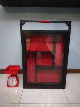 Wooden shelf cabinet with glass