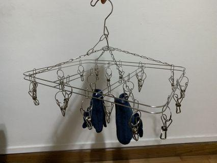 Stainless Steel clothes hanger with multiple pegs