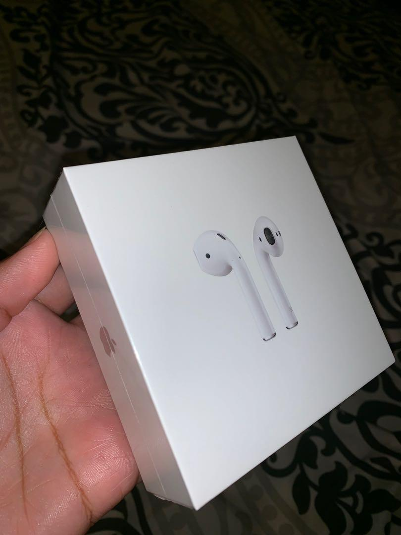 Apple airpods 2nd generation (message me before you buy)