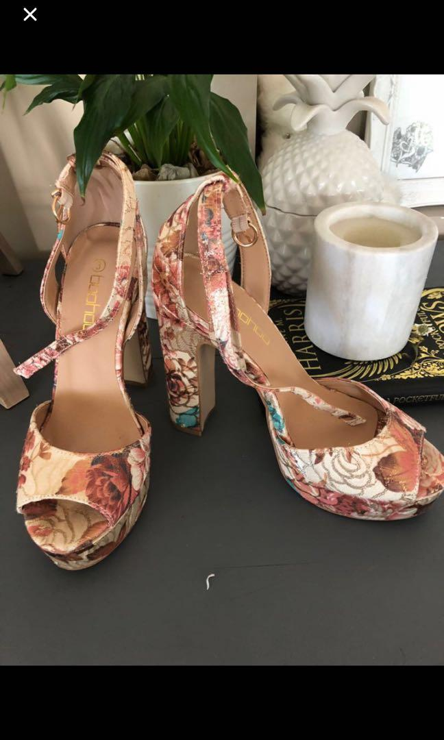 Boohoo Floral Shoes, i wore just once time inside for a family dinner, no damages, 99% new.