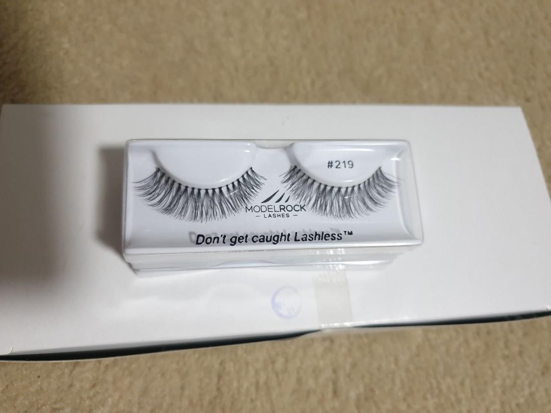 Model rock lashes style 219 pack of 25
