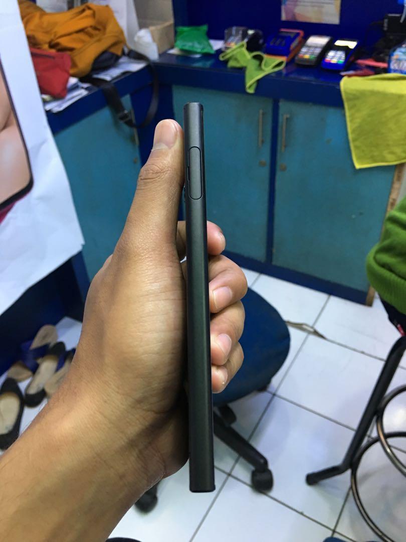 Sony Xperia XZs 4/32gb