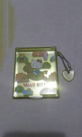 Hello Kitty 座枱鏡$45元