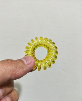 🚚 【贈】黃色髮圈