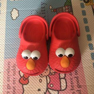 🚚 Elmo Slippers