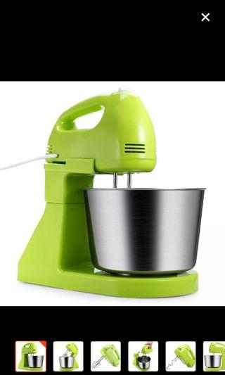 Hand & Stand Mixer for beginners in baking