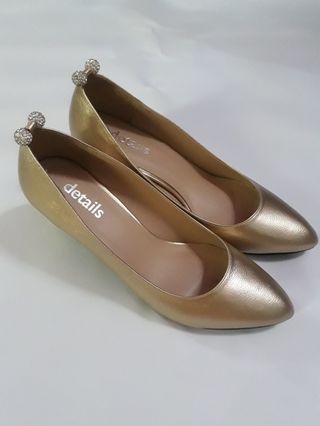 Sepatu Emas  Details - Sepatu Pesta - Sepatu Kondangan - Gold Shoes - Sepatu High Heels Emas - Gold High Heels