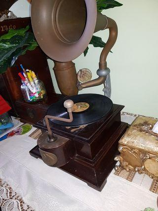 Vintage Gramaphone -Working condition