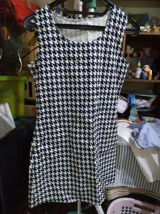 Dress kotak hitam putih