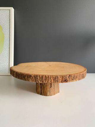 🚚 Wooden log cake stand