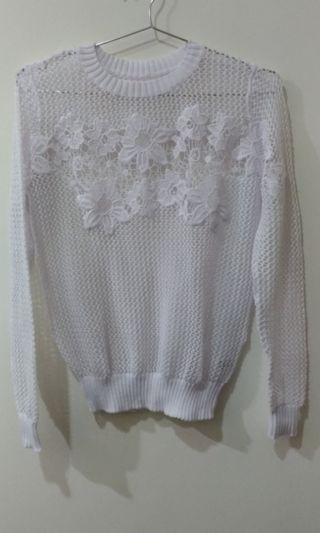 🚚 純白色針織簍空束腰腕上衣