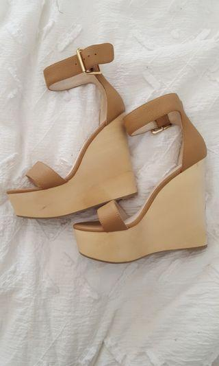 Size 38 kookai Olivia wedges tan