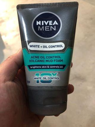 Nivea Men - white n oil control