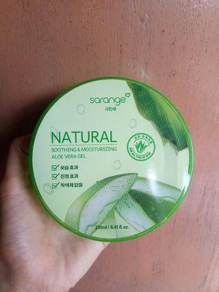 Sarange Natural Soothing and Moisturizing Aloe Vera Gel Preloved