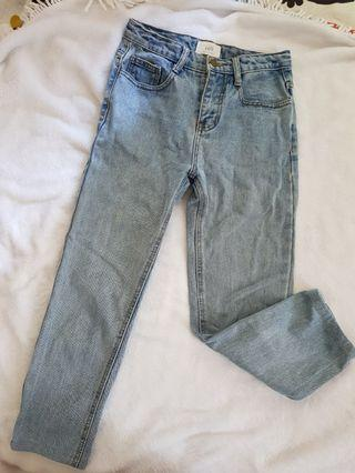 🚚 韓國 質感淺色牛仔9分直筒褲