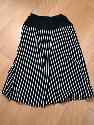 🚚 黑白條紋層次一片式寬褲裙