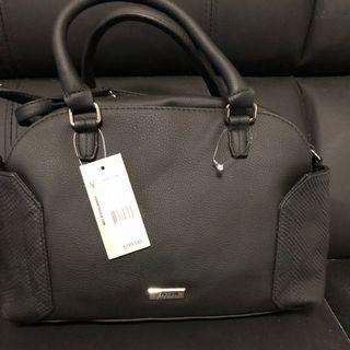 Auth Kenneth Cole