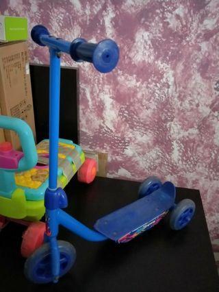 Kids Tri-Scooter