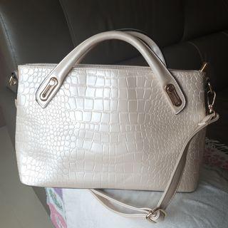Pearl White Gold Handbag