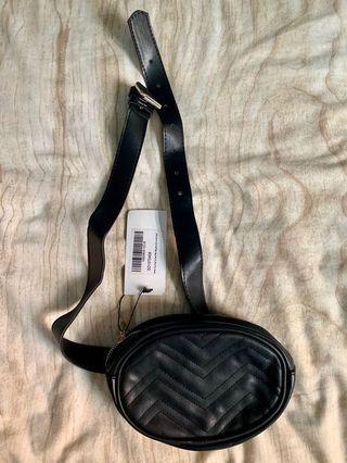 BRAND NEW Boohoo Black Belt Bag