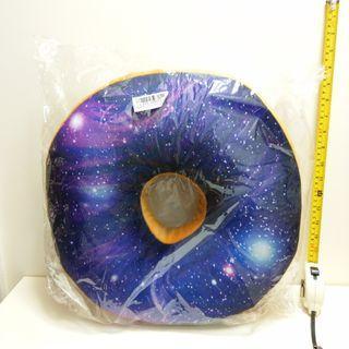 日本景品 Toreba Galaxy Doughnut Donuts Cushion 宇宙 水泡 咕 冬甩 桌上 午睡 枕頭
