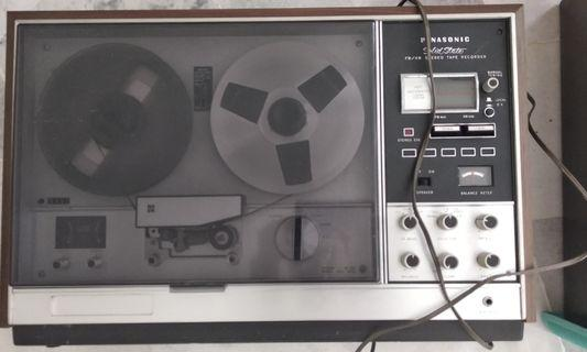 Antique Panasonic RS-763FS Solid State Reel to Reel tape recorder AM/FM