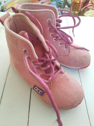Sepatu Dr. Captain Cook Suede Boots #joinjuli