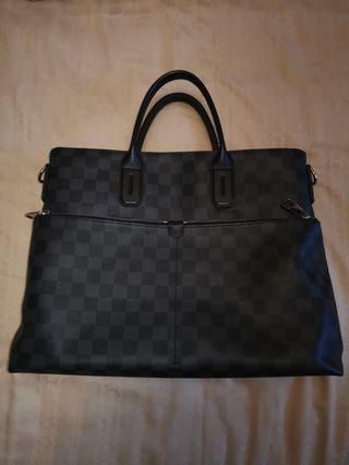 🚚 Louis Vuitton Damier Graphite 7 Days A Week Sling Bag