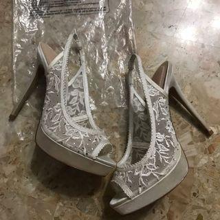 Aldo white lace heels