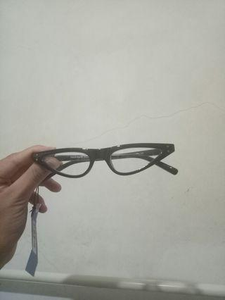 Cat eye Spectacle Frame